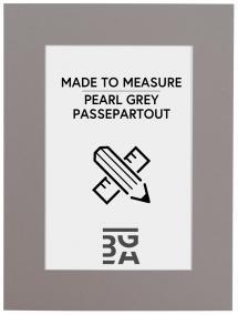 Passepartout Grau - Maßgefertigt (weißer Kern)